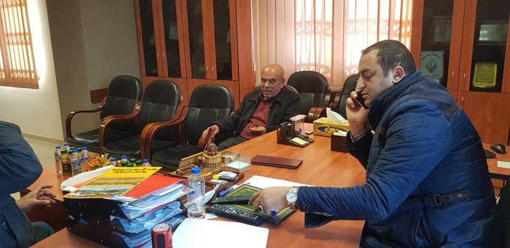 الان من اجتماع السيد بدر خندقجي رئيس بلدية علار مع الهندس كفاح بدران مدير الاشغال العامة في محافظة طولكرم