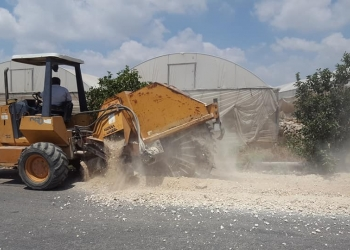 بدأت بلدية علار باعمال تمديد خط مياه بطول 1200 متر