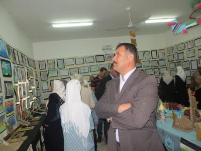 افتتاح المعرض الفني والصحي في مدرسة بنات علار الثانوية